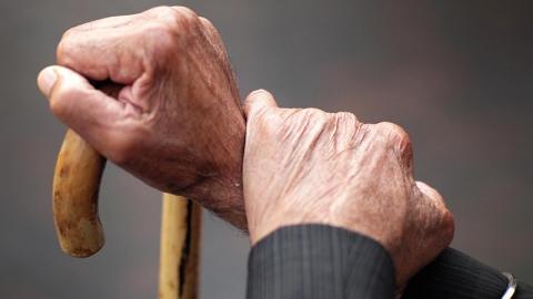Старик надругался над 9-летней родственницей гражданской супруги