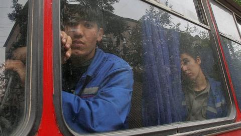 ВСаратове задержали автобус с преступными мигрантами