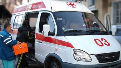 Такси изТатарстана врезалось вбензовоз натрассе вСаратовской области