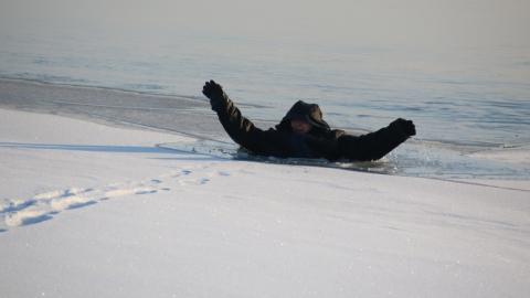 Облспас провел тактические учения по спасению провалившихся под лед