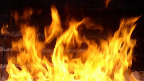 На пожаре в заброшенном доме погиб мужчина