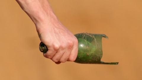 НаБольшой Садовой мужчину зарезали горлышком отбутылки