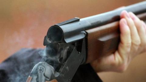 39-летний ревнивец под Екатериновкой расстрелял 2-х приятелей