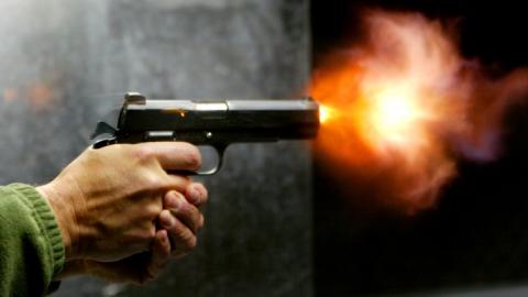 На 15 лет в колонию отправится застреливший друга ревнивец