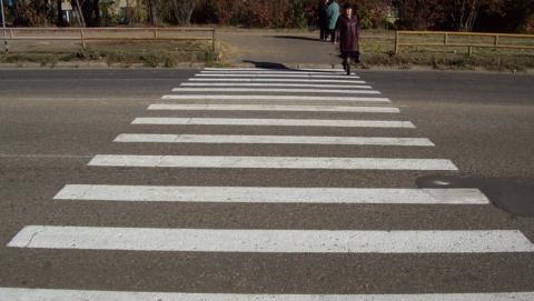 В Саратове иномарка сбила девушку на переходе