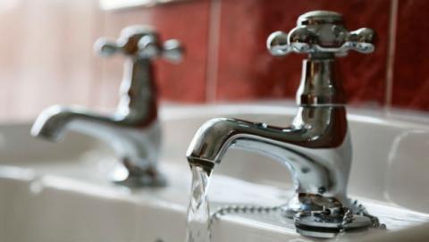 Жители двух районов Саратова до вечера останутся без воды