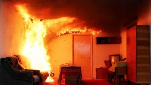 На пожаре под Саратовом обгорел мужчина