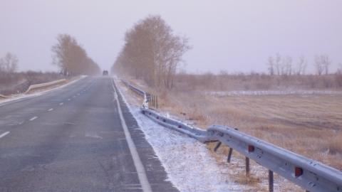 """На подъезде к Саратову """"Газель"""" влетела в дорожное ограждение"""