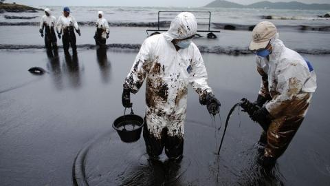 В Волге у Саратова нашли тысячекратное превышение нормы по нефтепродуктам
