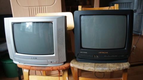 Вор открыл дверь ключом из почтового ящика и вынес два телевизора