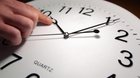 Александр Ландо о переводе часов: неудобство только с телевизионными программами