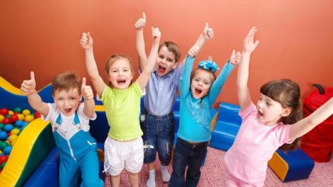 Оставшиеся без тепла пять детских садов продолжают работать