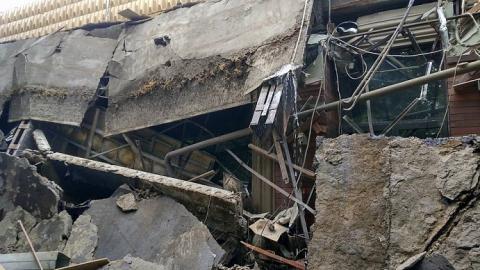Прокуратура накажет УК за обвалившиеся балконы и сосульки на крыше дома