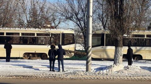 Девять пассажиров пострадали в сошедшем с рельс трамвае