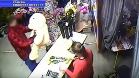 Полиция опубликовала видео похищения плюшевого медведя