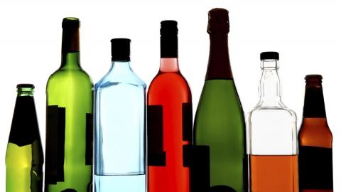 Полицейские недопустили в реализацию 1057 бутылок незаконного алкоголя