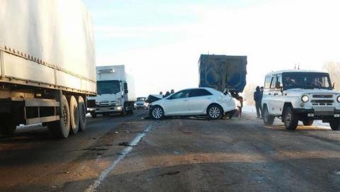 Саратовец за рулем фуры стал причиной массовой аварии в Башкортостане