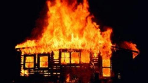 Шесть человек эвакуировались с пожара в Саратове
