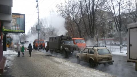 Из-за коммунальных работ перекрыт участок улицы Рахова