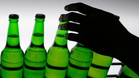 Похититель пива избил по голове пытавшегося его задержать прохожего