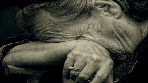 Саратовец побил пожилую мать