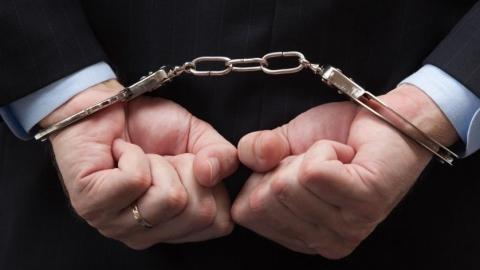 Подозреваемого в половой связи со школьницей посадили под арест