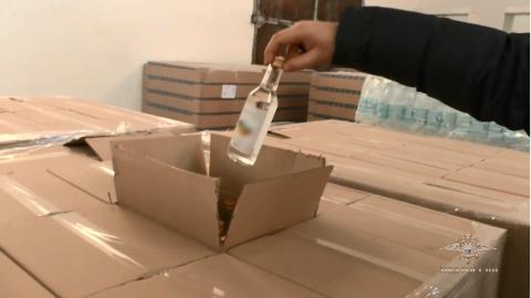 В Балакове полицейские обнаружили подпольный алкогольный цех
