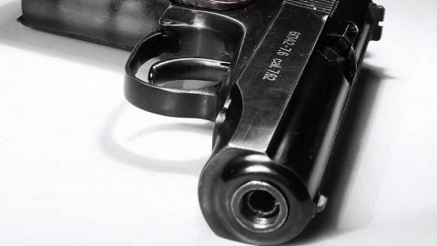 Саратовец приобрел в Санкт-Петербурге немецкий револьвер