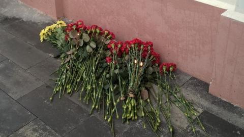 У саратовского храма прошла акция памяти жертв авиакатастрофы Ту-154 над Черным морем