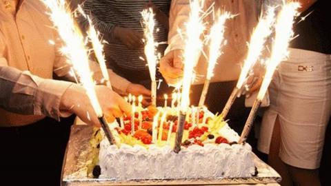 """Полицейские изъяли бенгальские свечи и """"фонтан тортовый"""""""
