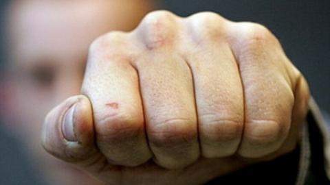 Саратовец заявил в полицию о нападении на сына в детском парке