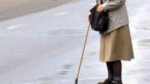 В Саратове за минувшие сутки под колеса автомобиля попали три пенсионера