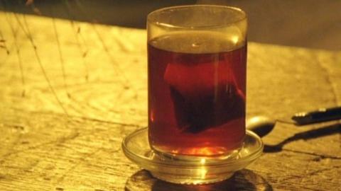 Пятимесячная девочка обварилась стаканом чая