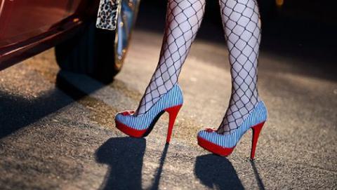 В центре Саратова за проституцию оштрафовали двух женщин