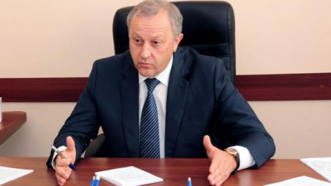 Валерий Радаев распорядился увольнять директоров за поборы в школах