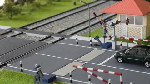 В Заводском районе закроют железнодорожный переезд