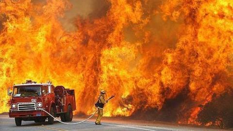 Саратовец умер на пожаре в частном доме