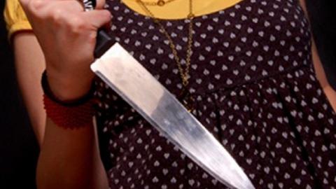 Саратовчанка ударила мужа ножом в спину