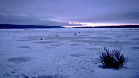 Погибших детей в утонувшем снегоходе вытащили из воды сторожа турбазы