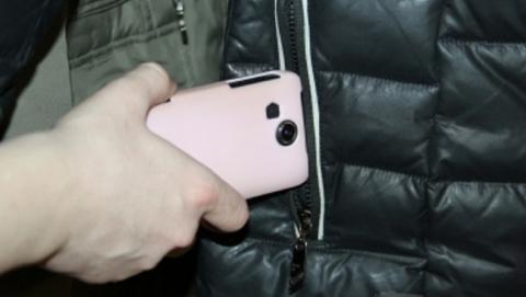 НаВолжской банда молодых преступников отняла умужчины куртку иiPhone 6s