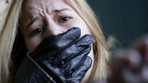 ВСаратове ВИЧ-инфицированного мужчину осудили запохищение иизнасилование приятельницы