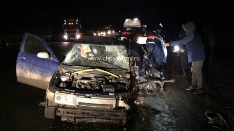 Под Саратовом в аварии с фурой пострадали три человека