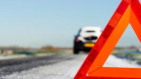 В Вольске в перевернувшей машине пострадали две женщины