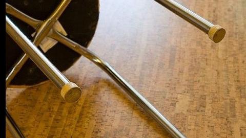 ВСаратове мужчина изревности избил возлюбленную металлическим стулом