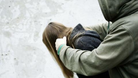 ВСаратовской области 23-летний парень попытался изнасиловать школьницу