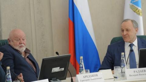 Григорий Аредаков предложил открыть в Саратове памятник Слонову
