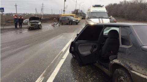 Четверо мужчин пострадали вДТП наУсть-Курдюмском шоссе