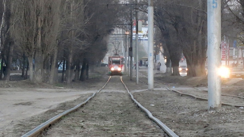 В центре Саратова прервано движение трамваев и троллейбусов