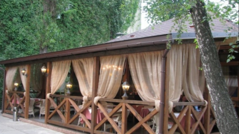 Летние кафе в Саратове будут размещать по итогам аукционов