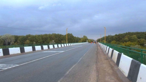 ВСаратовской области ограничат движение помосту через Медведицу
